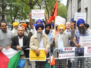 Sikhs-and-Kashmiris-protest-on-15-August-in-London