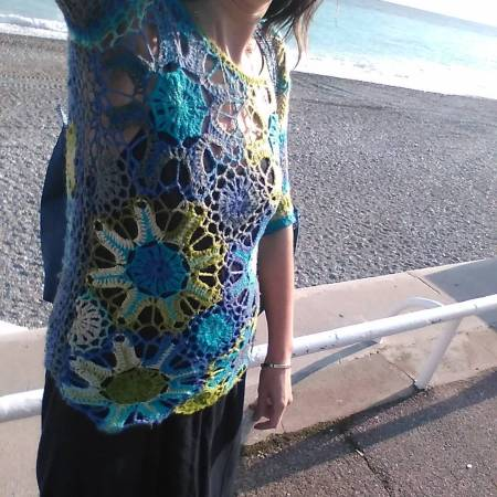 Another piece I made and wear all the time - Bloomsbury top by @tammyhildebrand. I used @katiayarns Felice