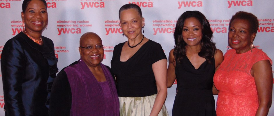 YWCA Women of Distinction Awards Gala from l to r: Dara Richardson-Heron, M.D.; Dr. Bernice Johnson Reagon; Paula Penebaker; Robin Givens; and Marsha B. Henderson