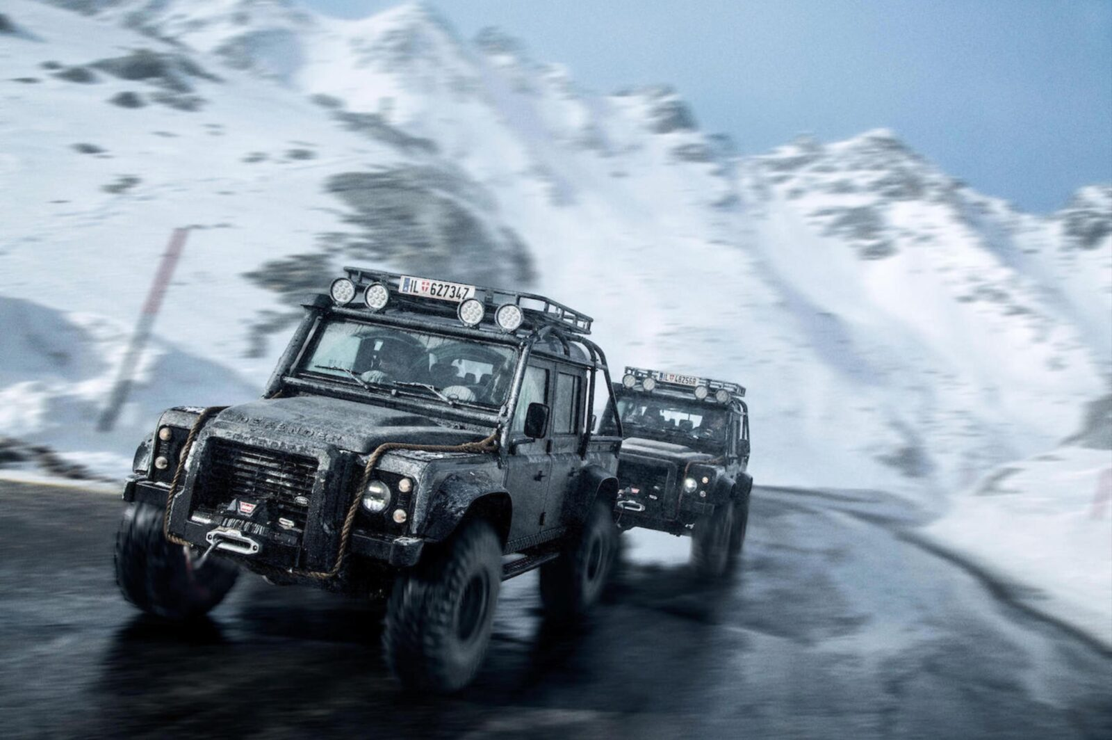 Pajero Car Hd Wallpaper The James Bond Quot Spectre Quot Land Rover Defender Svx