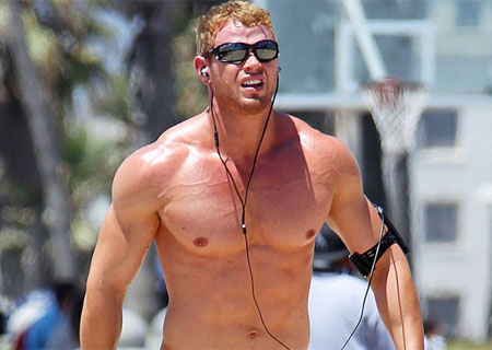 kellan-lutz-working-out
