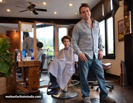 Hair salon in Los Feliz Village