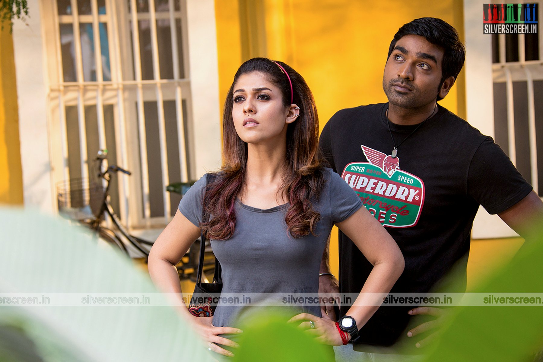 Mom Wallpapers Quotes In Hindi Naanum Rowdy Dhaan Movie Stills Silverscreen In