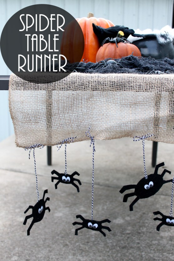 halloween-table-runner-with-spiders-008