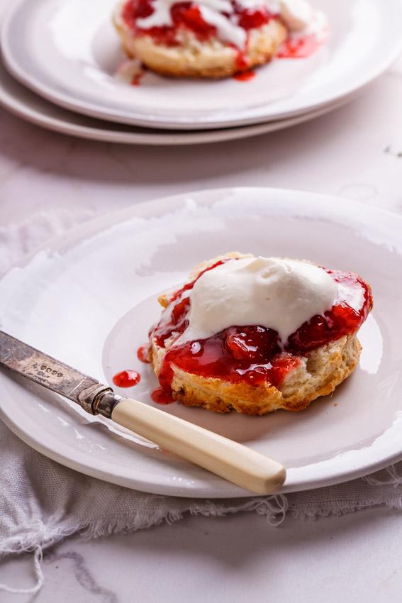 Buttermilk scones with easy strawberry jam