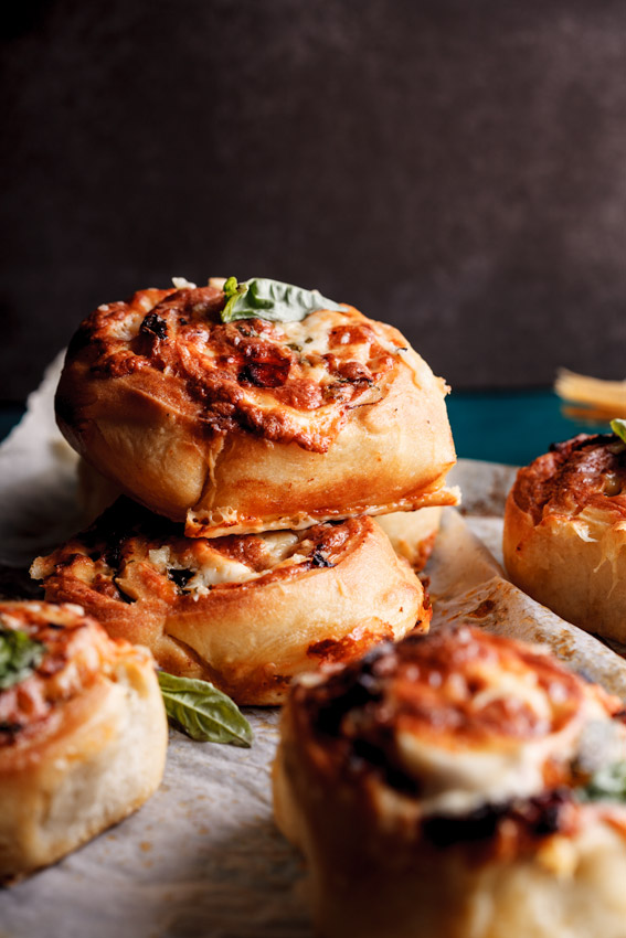 Pizza rolls with sundried tomatoes, basil and garlic butter