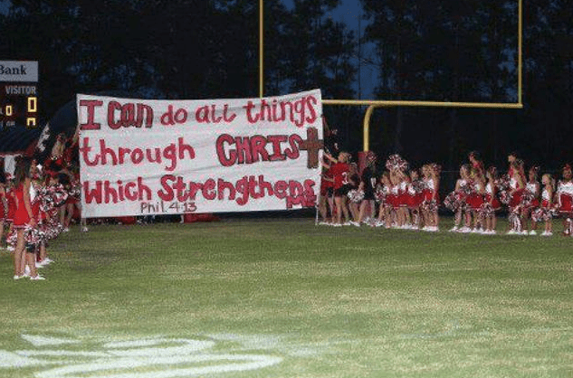 Kountze,Texas Cheerleaders Boldly Show Their Faith to the World!