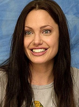 Preety Angelina Jolie With Out Make Up