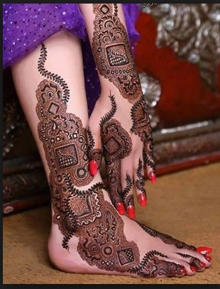 stylish feet mehndi design