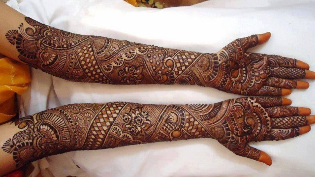 awesome dulhan mehndi design