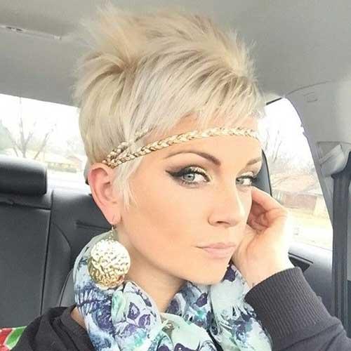 stunning emo hairstyle