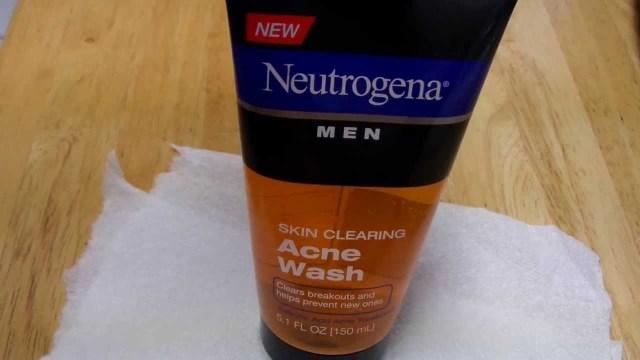 neutragena men skin clearing acne face wash