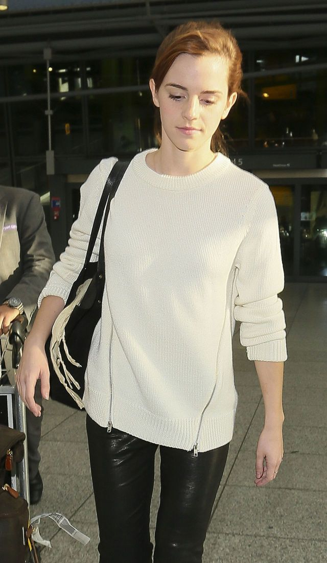 emma watson on airport with no make up
