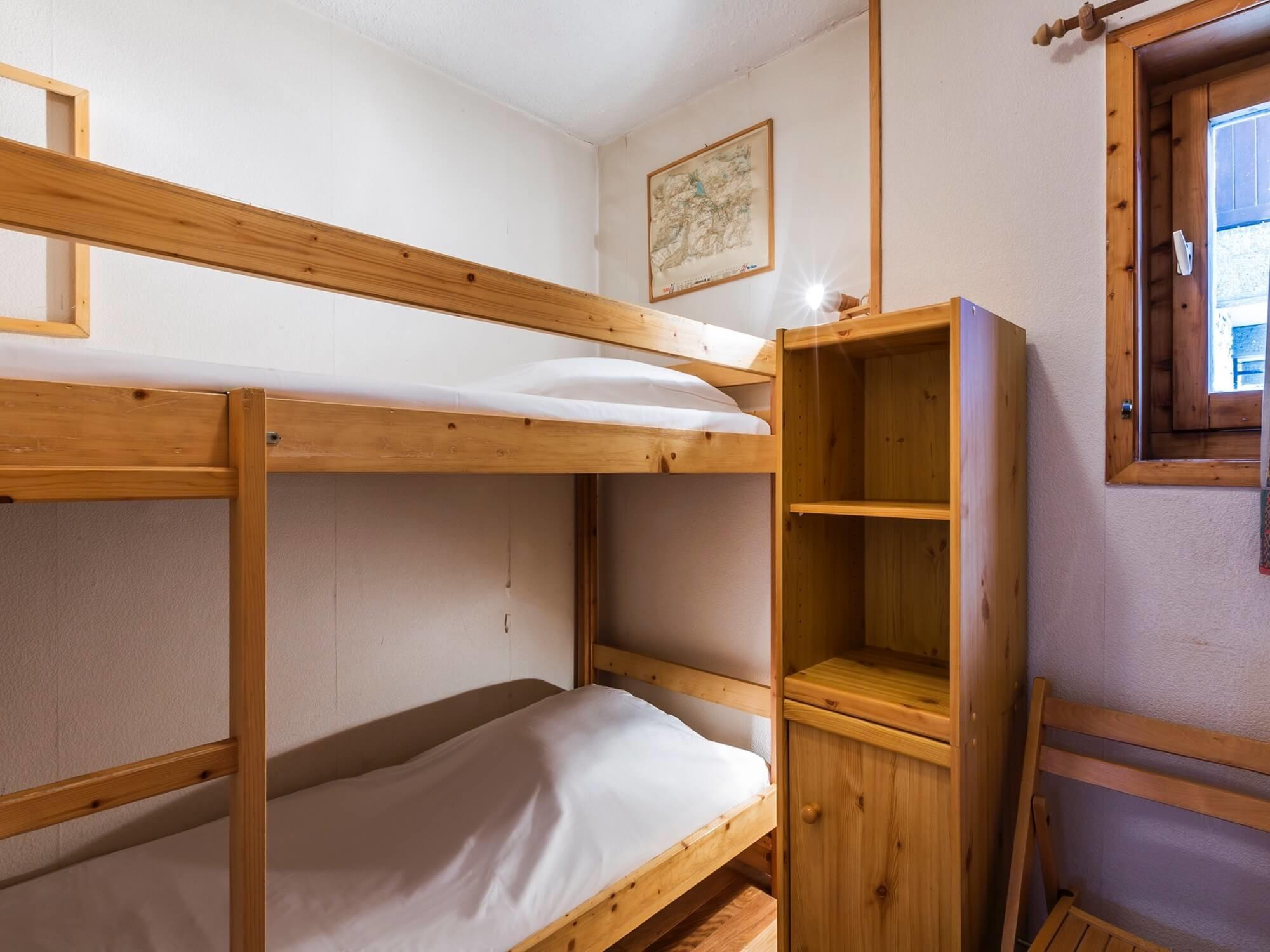 Saturn Bunk Bed Val D Isere Village Saturn For 6 C Self Catered Apartment Chalet