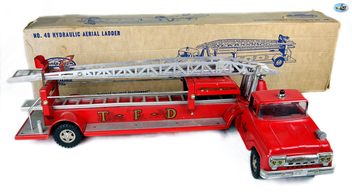 Awesome Vintage 1950s Large Tonka Fire Engine Toy Truck