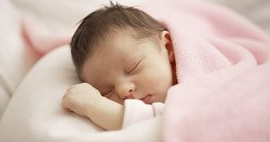 Cách chăm sóc trẻ sơ sinh vào mùa hè như thế nào?