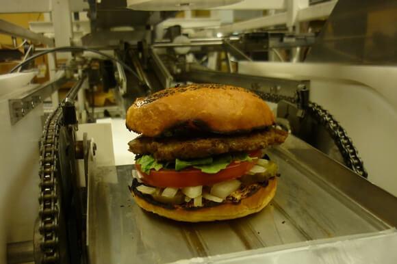 robot-burger-momentum-machines 1