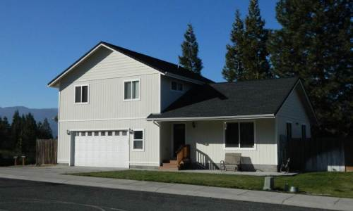 Mount Shasta view homes  an upgraded newer house  (8)