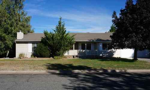 Northern California Mount Shasta view 3 beds 3 baths 1 acre Homes