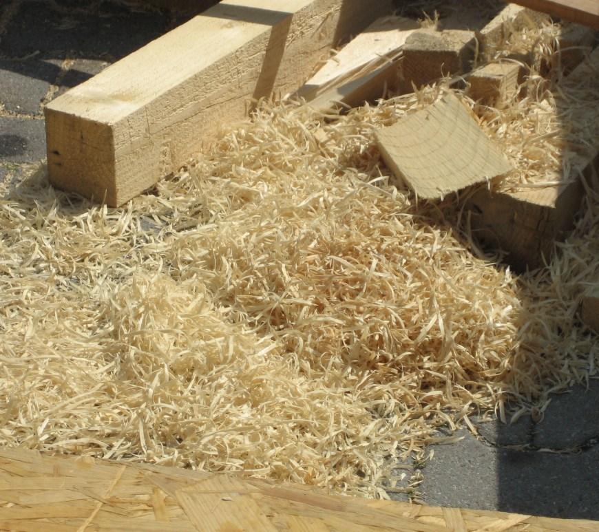 "Sawdust- ""wood wool""; by Priwo (photo taken by de:Benutzer:Priwo) [Public domain], via Wikimedia Commons"