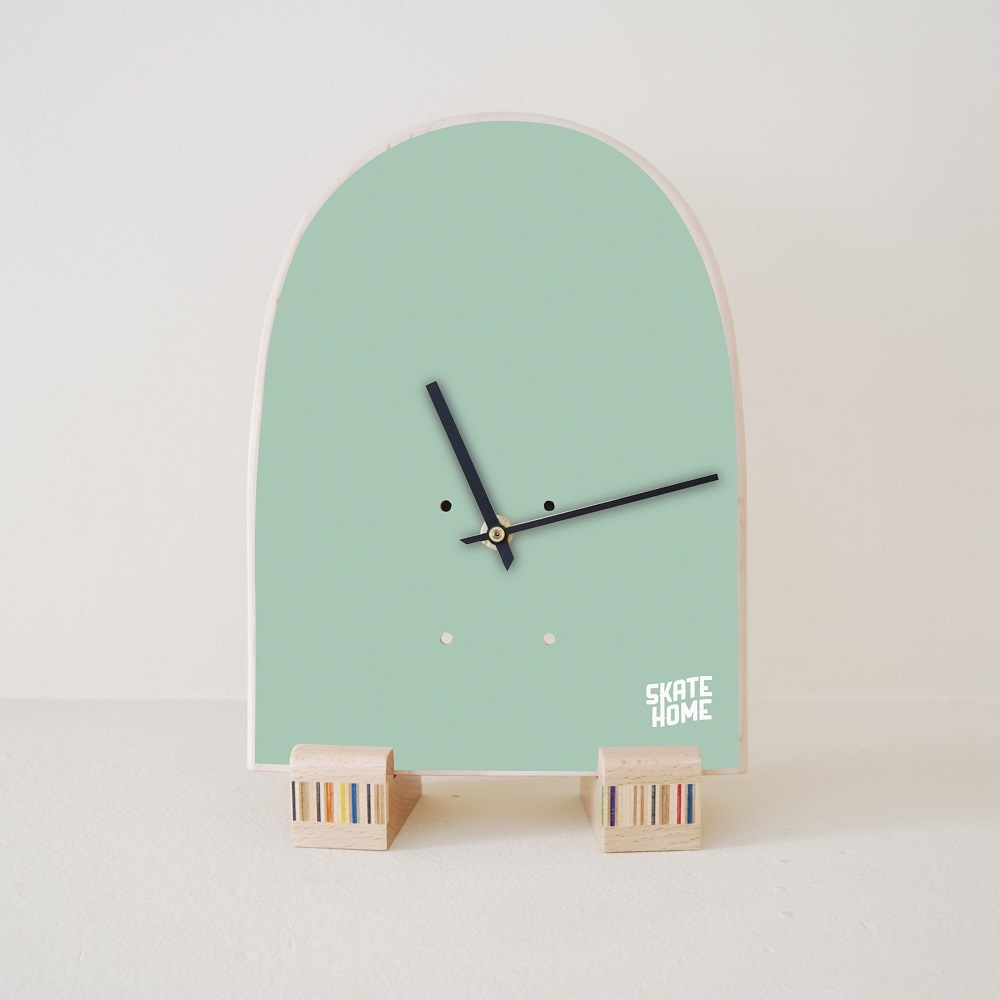 Special Clock Skate Table Clock Mint