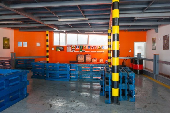 skembedjis-forklift-operator-training-cyprus-charging-area