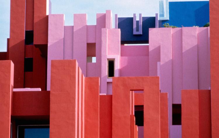 Muralla_Roja_Calpe_Spain_Ricardo_Bofill_Taller_Arquitectura_01