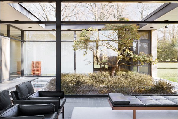 Glass Houses | The Hodgson House.