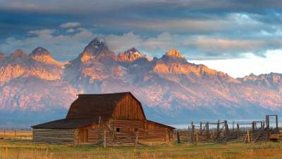 Wyoming Reports a Record Year for Tourism in 2014 – Skift