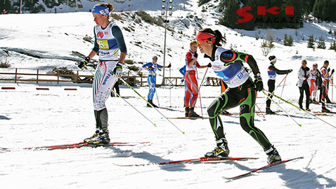Антония Бургова (вляво) и Теодора Малчева спечелиха отборния спринт в Банско. Снимки: BGLive/SkiMag