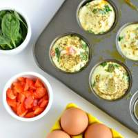 Easy Spinach Pepper Egg Muffins {Low Cal, GF, Paleo}
