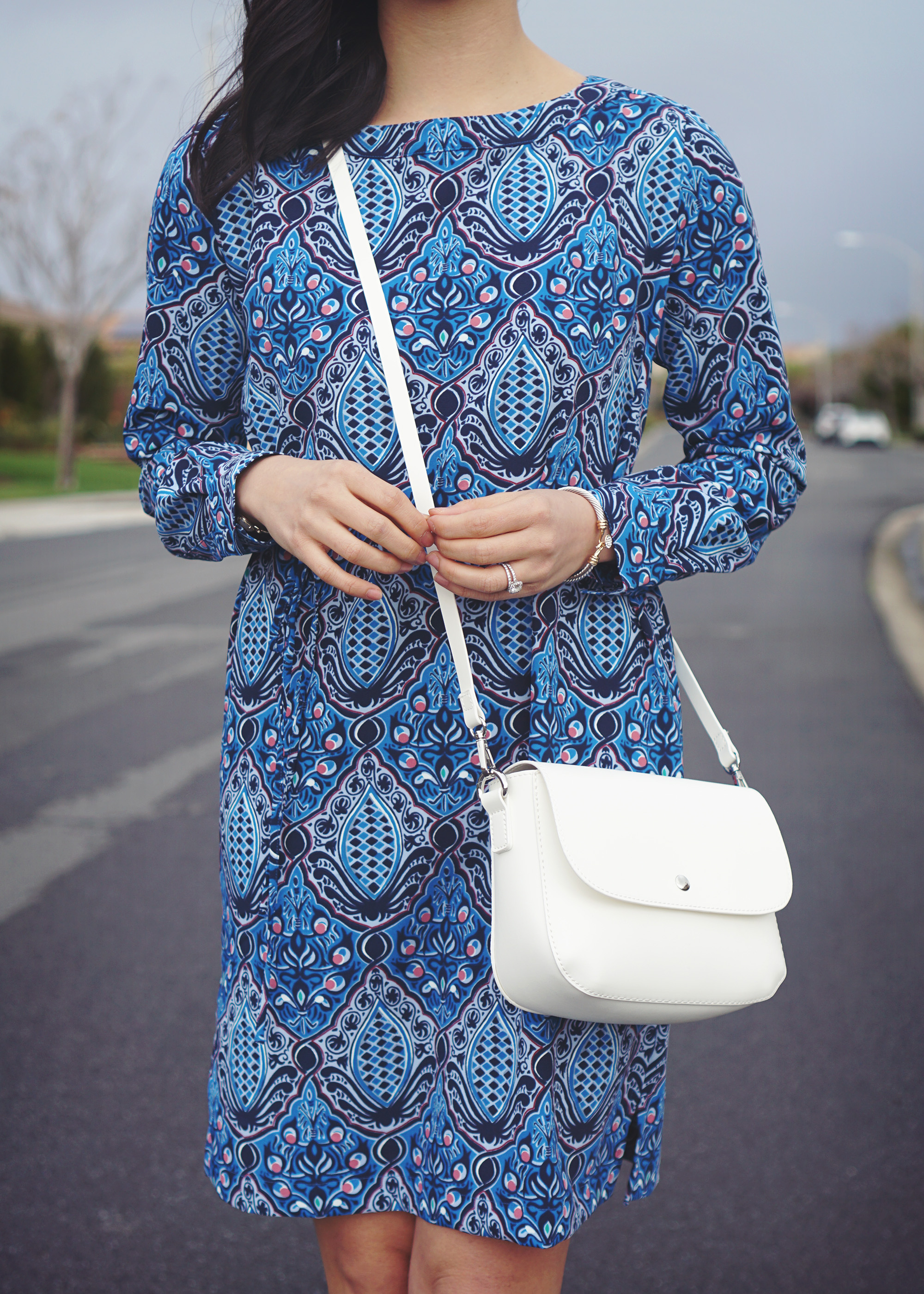 Skirt The Rules / White Crossbody Bag