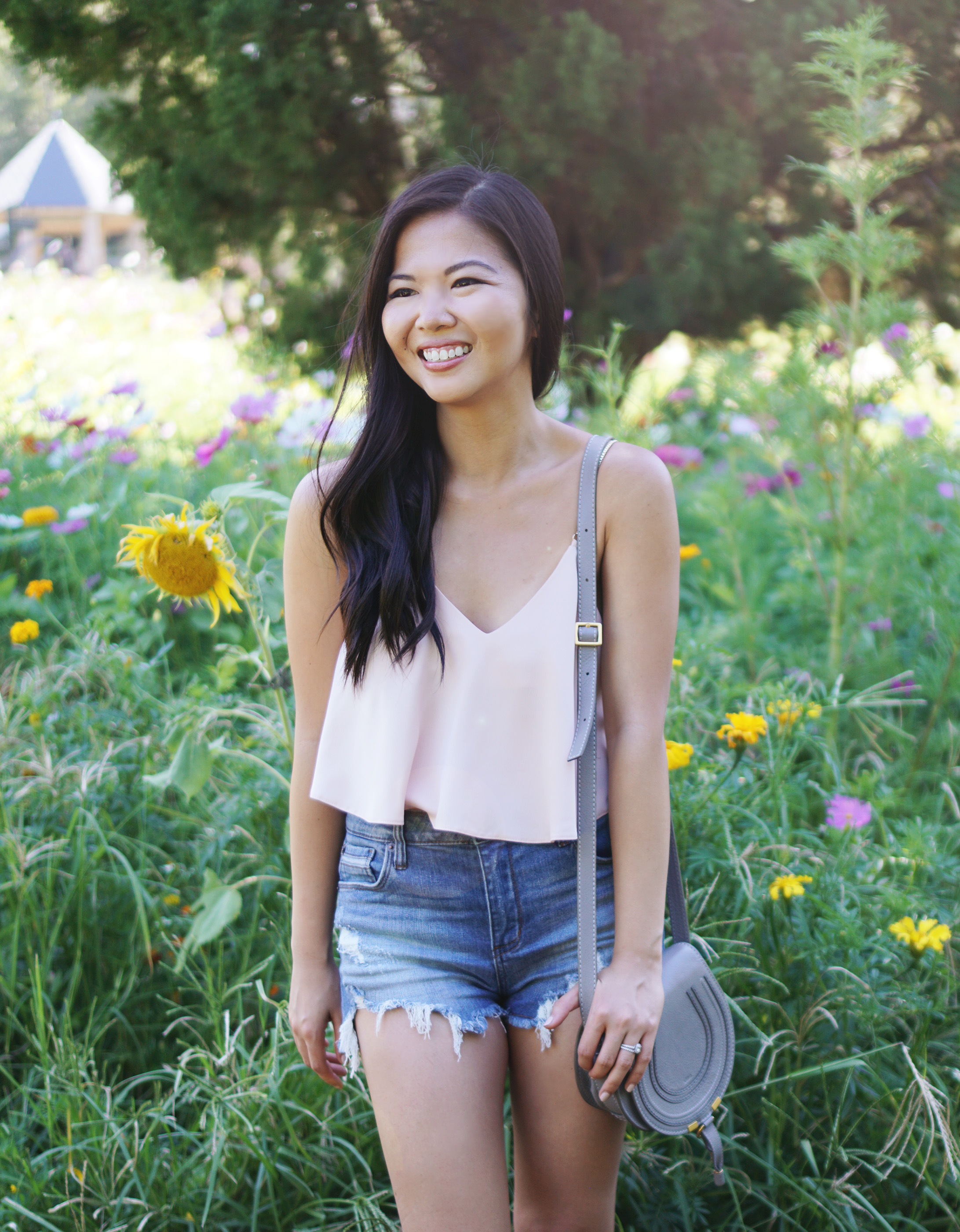 Summer Style / Pink Crop Top & High Waisted Denim Shorts