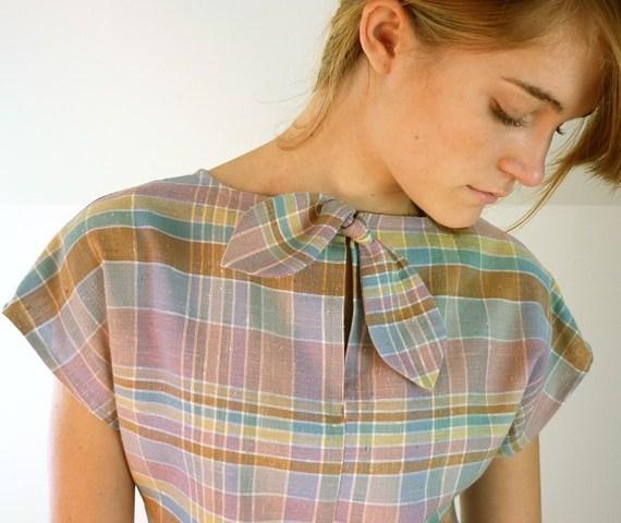 bow tie vintage neckline
