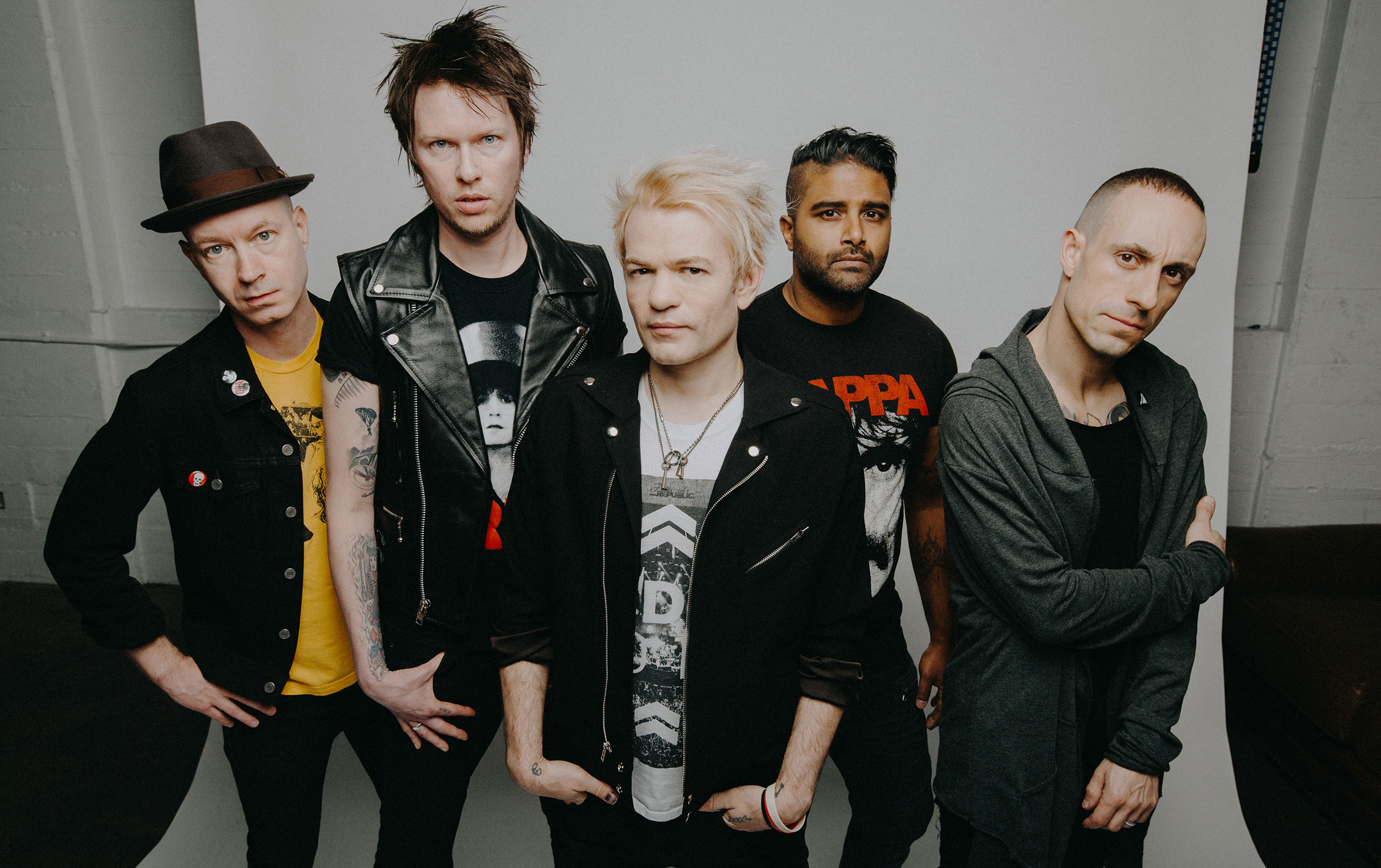 Bad Modern Rock Bands Sum 41 Order In Decline Review The Album Presents A Band In