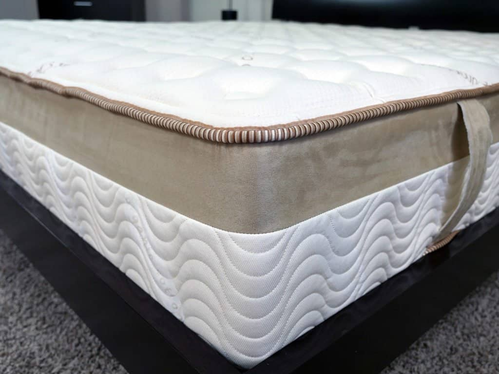 Helix Vs Loom And Leaf Loom And Leaf Vs Leesa Mattress Review Sleepopolis