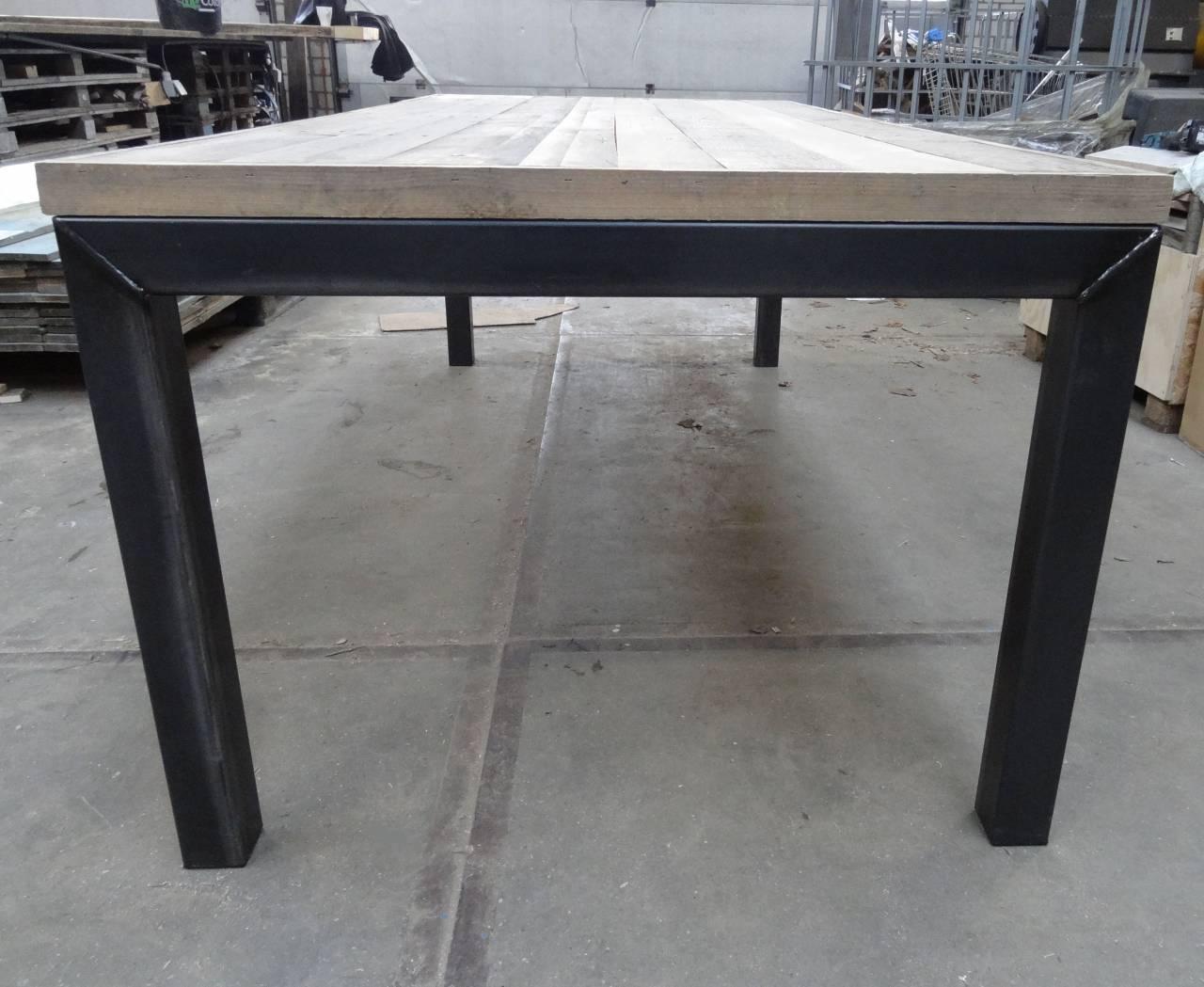 Ijzeren Onderstel Tafel : Stalen onderstel tafel met eiken blad en stalen o onderstel