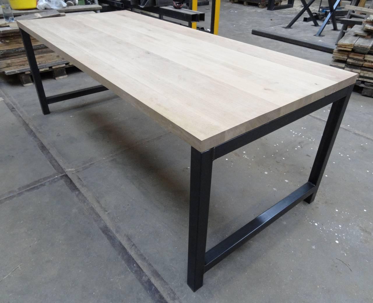 Metalen Onderstel Tafel : Eiken tafel met metalen onderstel tafel met exclusive eiken blad