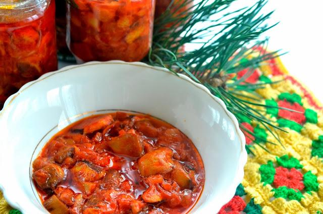 Grzyby w pomidorach do słoików + film