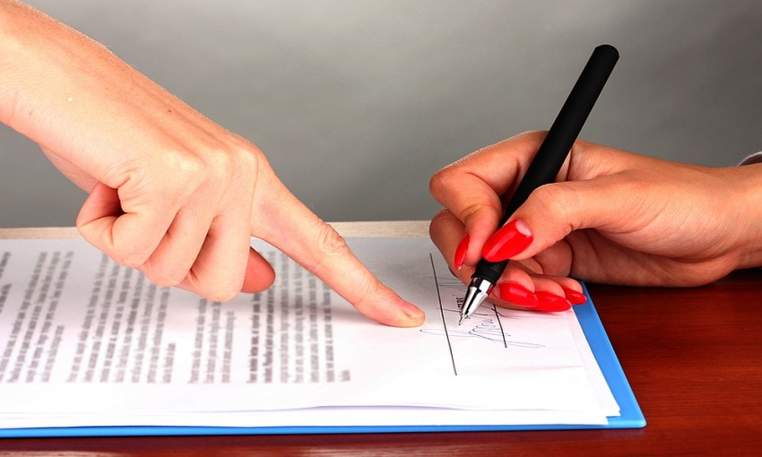 Make a Contract 3 Contract Agreements Small Businesses Should Have
