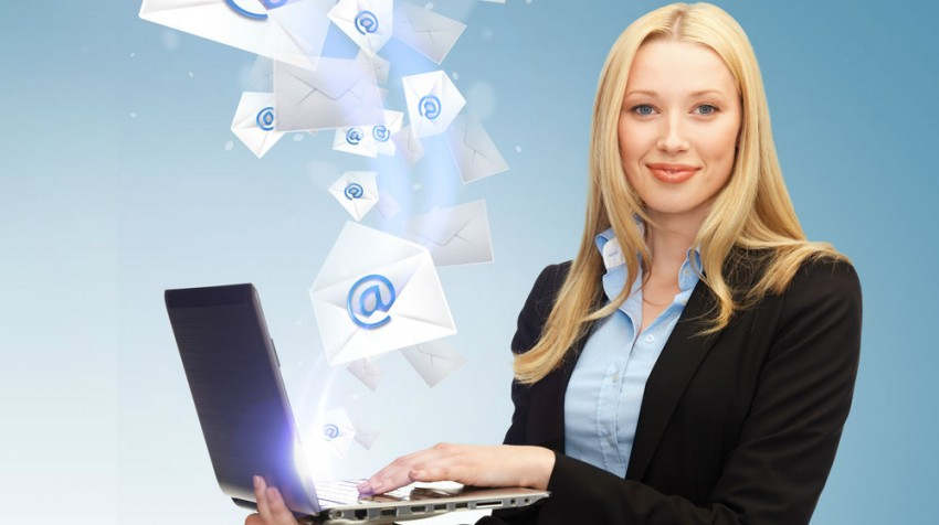 15 Tips to Master the Art of Cold Emailing - Small Business Trends - emailing photo