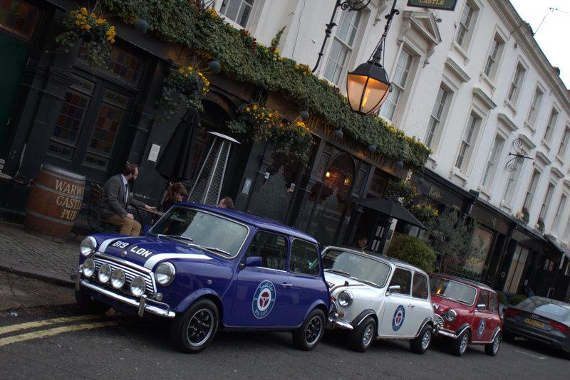 Car Shop Wallpaper The Italian Job Classic Mini Cooper London Tour