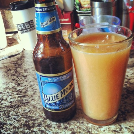 grapefruit blue moon beermosa