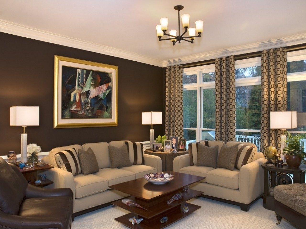 Exceptional Nobility And Elegance Of Brown Living Room