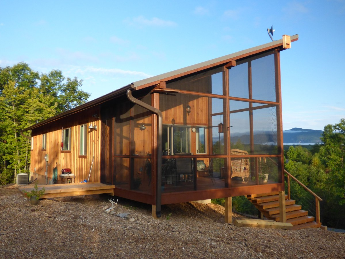 modern small cabins tiny houses reclaimed wood cabin cabin feel warm cozy