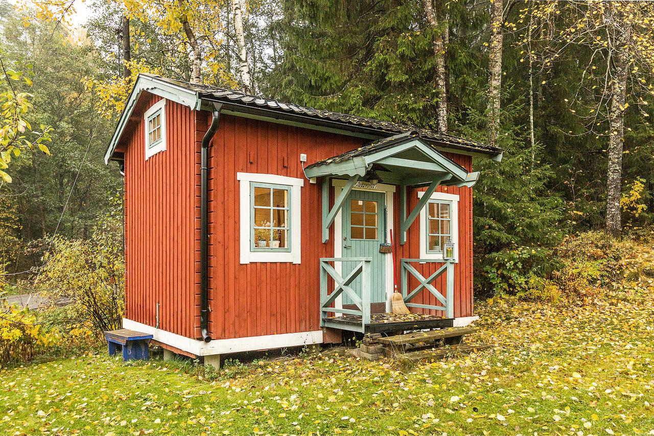 Zweedse Huisjes Tiny Guest Cottage On A Farm In Sweden Small House Bliss