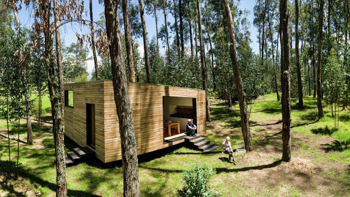 A small house for ecuador velasco roldan and hevia
