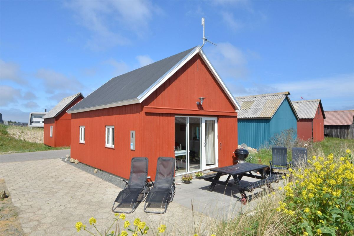 a second summerhouse inspired by fisherman u2019s sheds