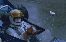 Stewart au volant de sa Tyrrell. (Crédit : Pathé)
