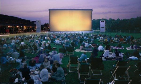 cinéma-plein-air-copyright-planete-campus